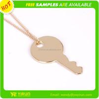 European hot sale simpe gold long link chain drop oil key pendant necklace