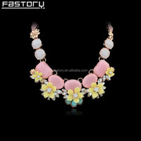 Wedding Brilliant Beautiful newest flower design gold necklace European &American For Girl