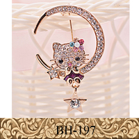 Fancylove Jewelry new design Korea exquisite products alloy brooch kitty on the moon cartoon cat brooch