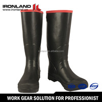 Customized rubber rain boots with removable lining