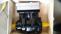 Sinotruk HOWO truck part double-cylinder air compressor