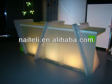 Honeycomb Struttura Resin Panels Counter Top Display