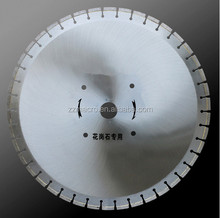 "best quality 24""/700mm diamond concrete saw blade with 42pcs segments for road wall brick cutting"