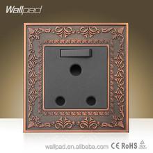 Wholesaler Wallpad Luxury Wall Socket UK South Africa Wall Plug Switched Socket 110-250V 16A 15 amp UK socket and Switch