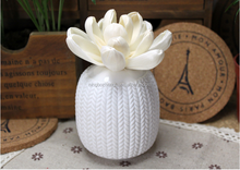 Sola flower fragrance diffuser with ceramic body