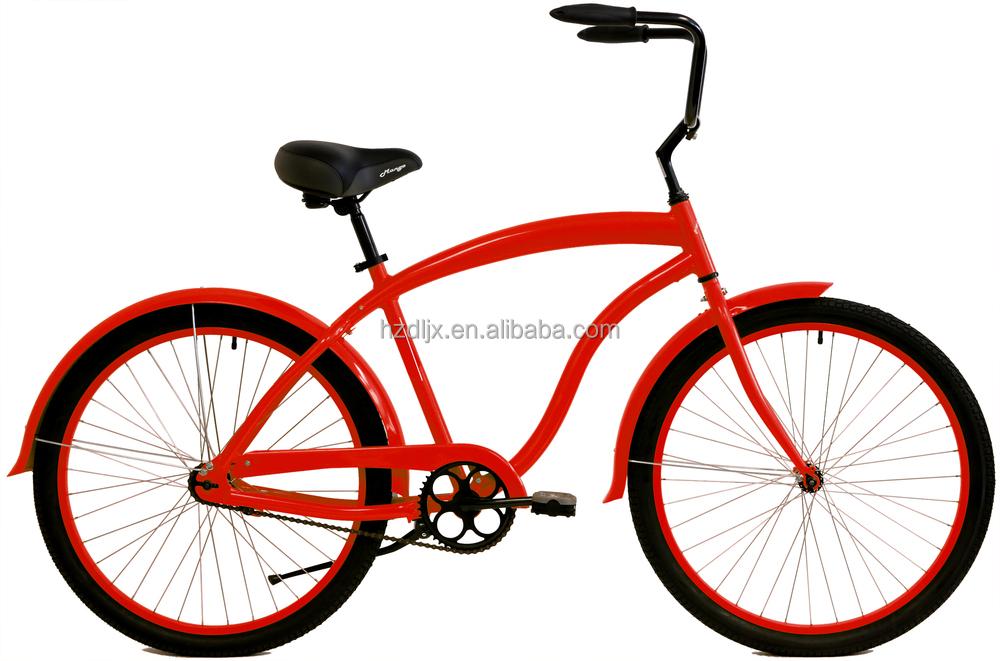 bicicletas con pizza de playa de la bicicleta crucero de la playa en ...