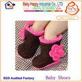 zapatos de bebé de la mano de ganchillo botines