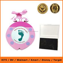 Foto del bebé / del bebé huella marco de la foto / memorable decorativo del regalo del bebé
