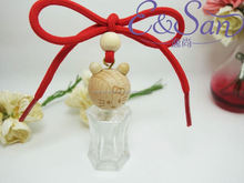 MK002 8ML Wholesale Mini Botttle Cartoons Wooden Cap With Rope Glass Refill Empty Car Perfume Diffuse Hanging Bottle