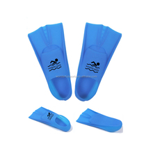 Factory Directly Wholesale Cheap webbed silicone waterproof silicone swimming gloves,swimming hand paddles