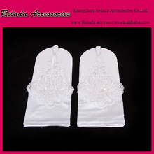 Factory Wholesale White Beaded short Fingerless Gloves handmade Elbow White Fingerless Satin gloves for women