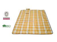 Cheap Fleece travel blanket/picnic blanket