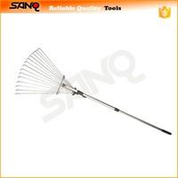 15 tine Adjustable Garden Leaf Rake - Expanding Rake