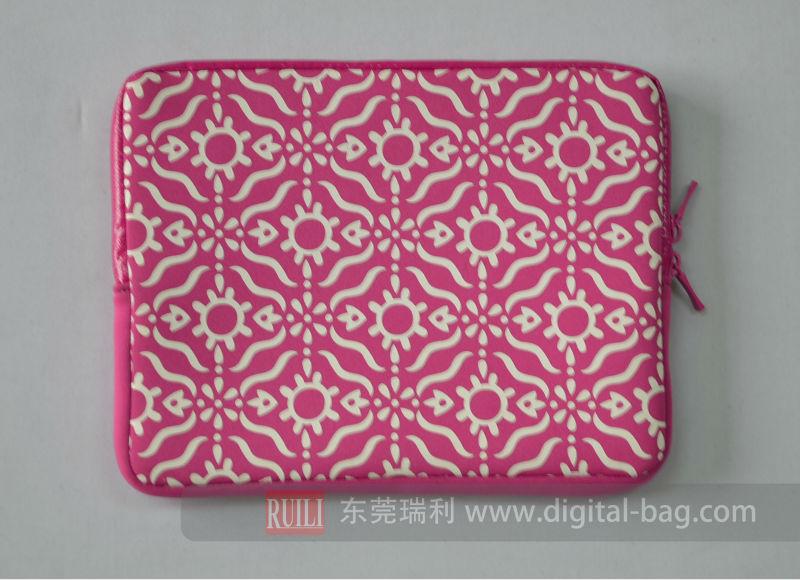 Fahion Pink color SBR with waterproof zipper laptop case
