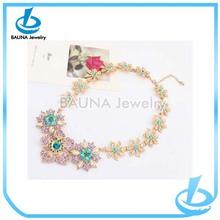 Fashion women small rhinestone flower crystal collar gold