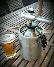 3 gallon beer keg growler with pressurized CO2 regulator
