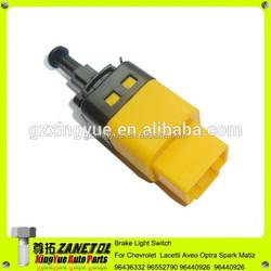 96874571 96436332 96552790 96440926 Brake Light Switch Chevrolet Lacetti Aveo Nubira Spark Matiz 1.2 1.6 1.8 2.0 2005-15 Daewoo