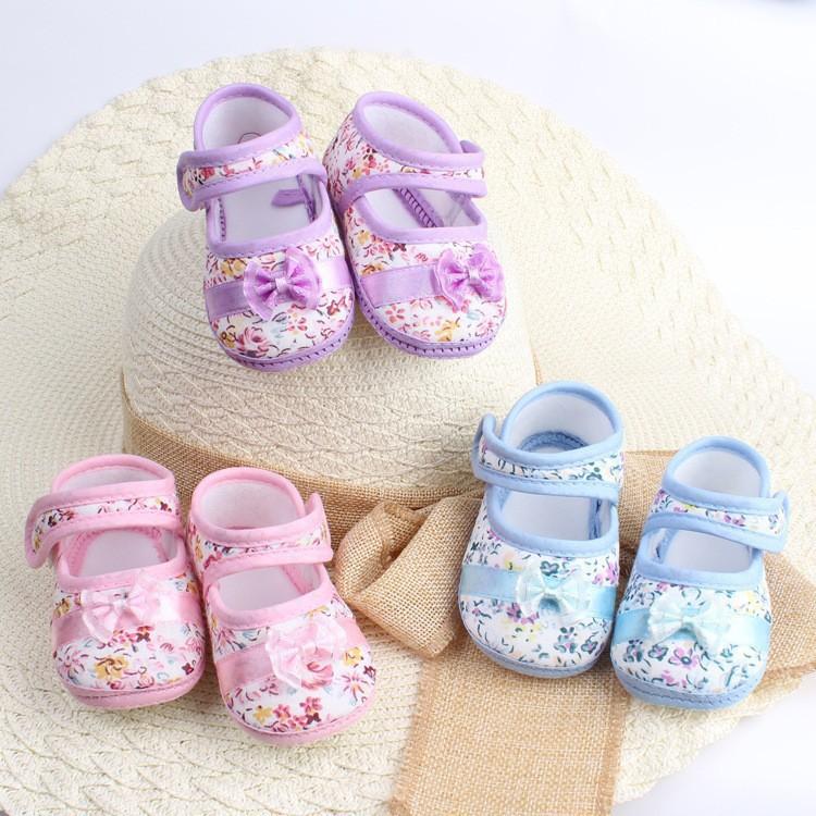 В нашем каталоге представлен интересный ассортимент детской обуви.