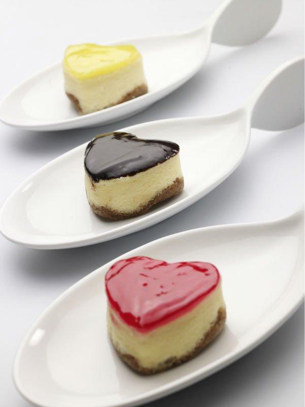 mini cheesecakes mini cheesecakes recipe yummly mini berry cheesecakes ...