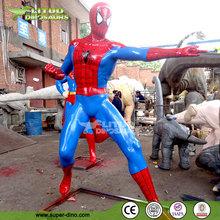 Figuras de acción en tamaño real para exteriores, escultura de película de Spiderman en fibra de vidrio