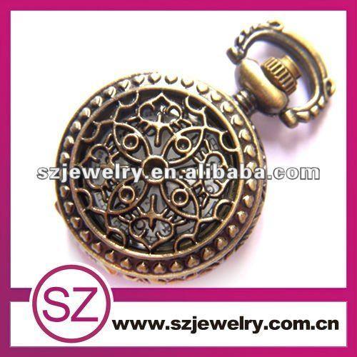A cielo abierto de latón antiguo colgante , collar de estilo de una sola pieza de reloj de bolsillo
