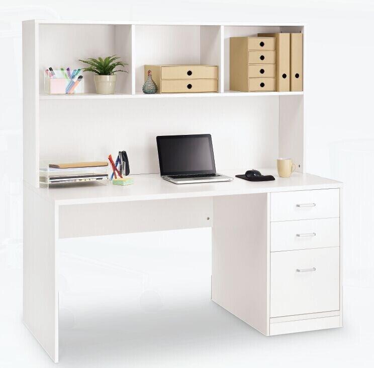 ordinateur maison cheap anaelle pandamoto bureau table de avec etagre sur bureau maison with. Black Bedroom Furniture Sets. Home Design Ideas