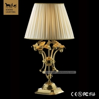 Latest Design Baroque Polishing Seal Oil 1 Lights Offwhite Hotel Lobby Lampshade Bronze traditional table lamps