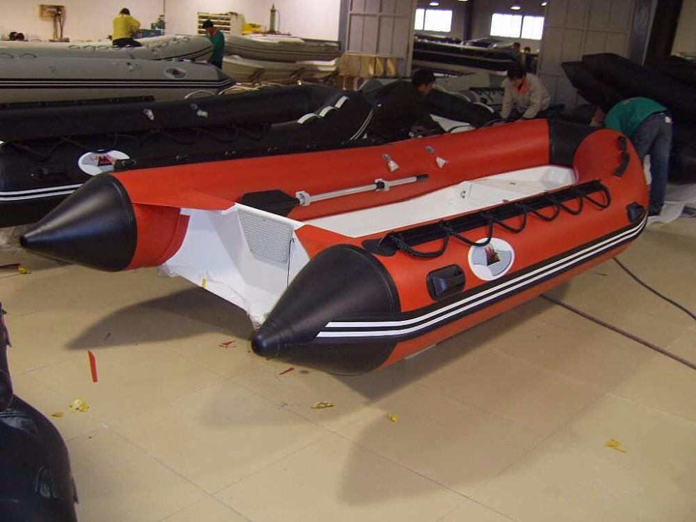 лодка пвх с пластиковым корпусом