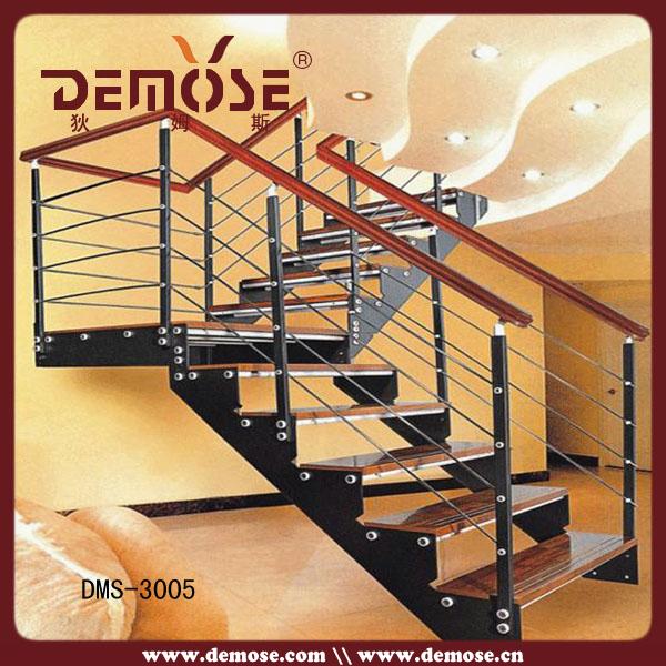 Escadas internas escadas de madeira fotos escada de ferro for Escaleras de fierro para casa
