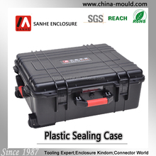 Black plastic equipment case with wheel and scalable tie rod 45-19