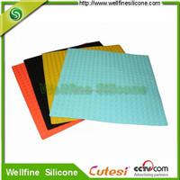 Anti-slips silicone bathroom mat with blocks design