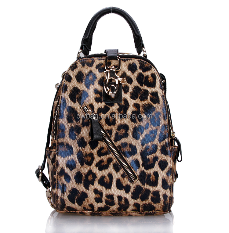 Shop for Leopard Print Handbags from the world's finest dealers on 1stdibs. Global shipping available.