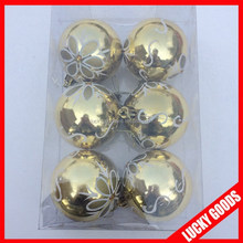 different colors and designs christmas ball for indoor and outdoor use for hanging