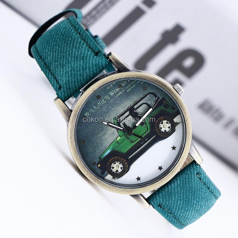 2015แฟชั่นร้อนแต่งกายสตรีลำลองนาฬิกาโรมันสไตล์คาวบอยหนังสายนาฬิกาข้อมือรูปแบบฝ้า