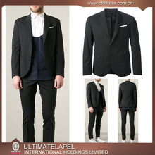 Men's tailored suits of top quality in slim fit cutting