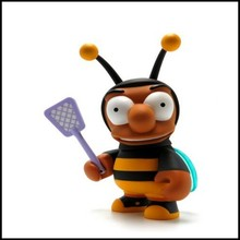 Custom pvc animals toys, pvc small bee toys,cartoon plastic bee with wings toys