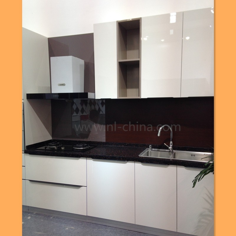 Nice looking and cheap wall mounted kitchen cabinet for Nice looking kitchens