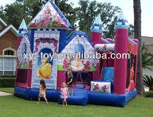 quintal pulando do castelo para a pequena princesa
