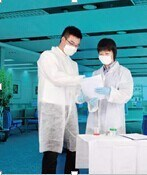 Manufacturer of disposable medical lab jackets white doctors nurse non woven PP Lab coats