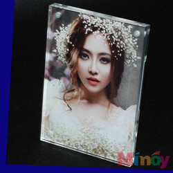 high quality Lucite elegant acrylic photo frame with stand, Manufacturer welcome to customized
