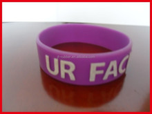 Factory direct wholesale purple embossed 3/4 inch wristbands rubber bands