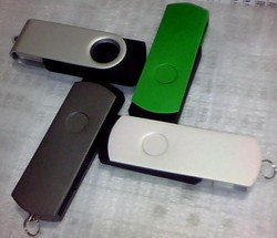 hot selling cooperate gift promotional swivel bulk 2gb usb flash drives & usb stick cheapest usb