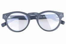 tutto porcellana produzione vintage design occhiali
