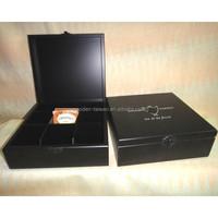 Wooden tea bags box design