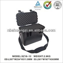 plastic equipment case with handle for equipment with two chain wheels
