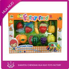 glückliche Kinder plastikspielzeug obst küche gesetzt spielzeug