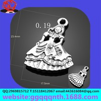 zinc alloy pendant jewelry accessories Mother and daughter Miko little dancing girl barbie