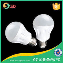 2015 New design and high quality E27 led plastic bulb 480 lm with high brightness 3014 chip