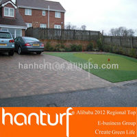 Naturely fake grass to decorate your front door and be mini golf mat