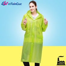 Verde largo impermeable a prueba de agua con capucha en eco material de buena calidad